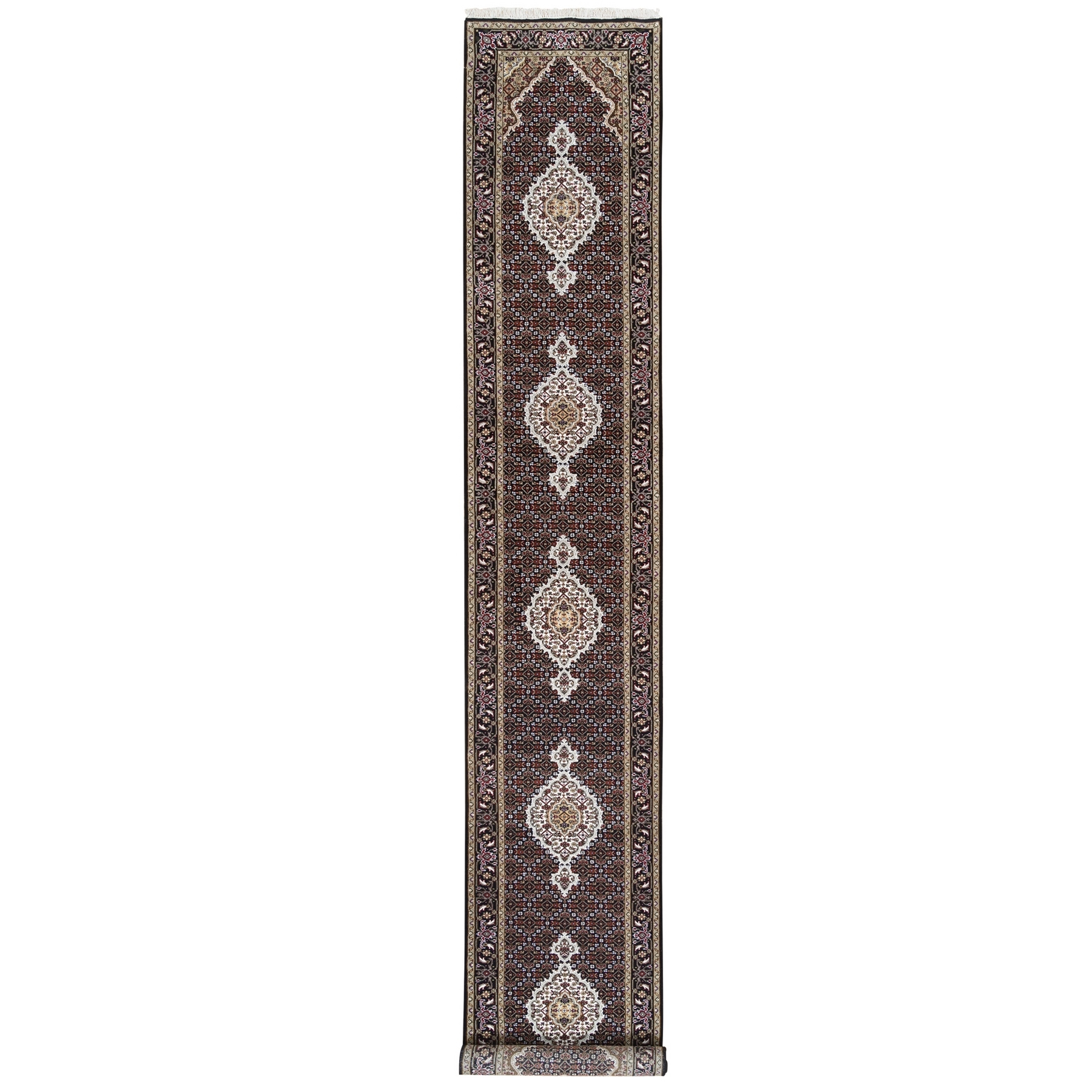 Traditional Rugs LUV562653